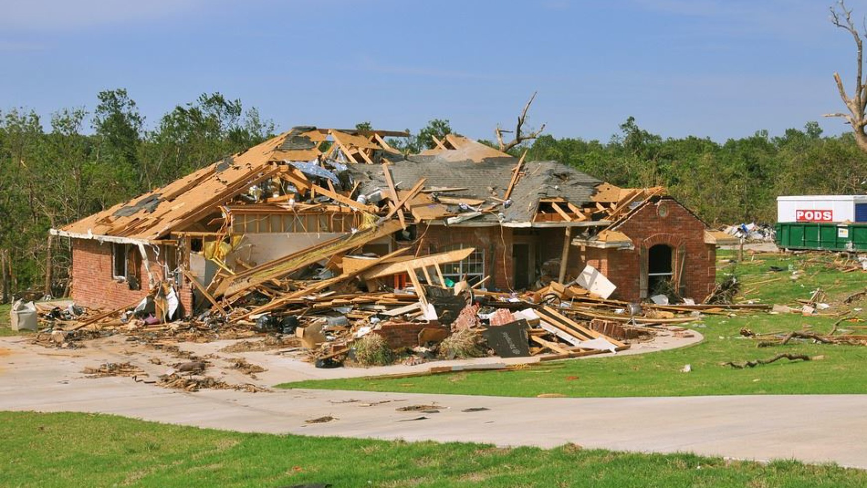 What To Do in a Roofing Disaster